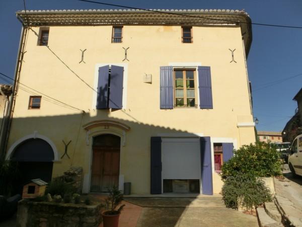 Appartement dans le village de Robion