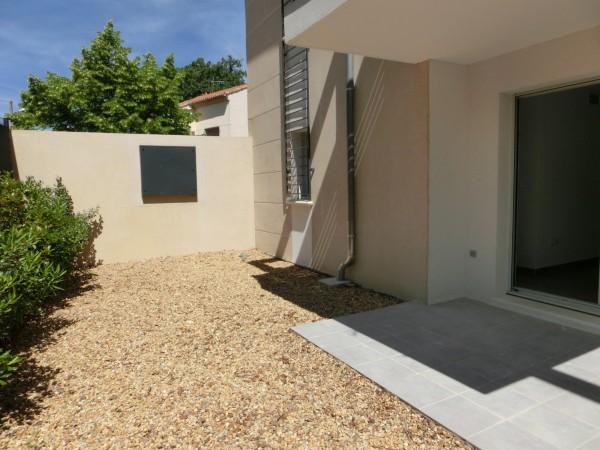 Location de type T2 dans résidence neuve au rez-de-chaussée avec jardinet