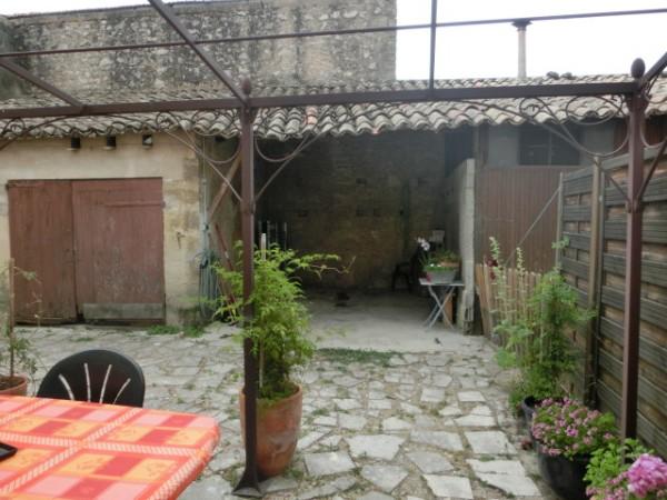 Appartement de type T4 avec extérieur et garage à Robion