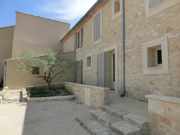 A louer chez L'Escale Immobilière Gestion au pied du Luberon
