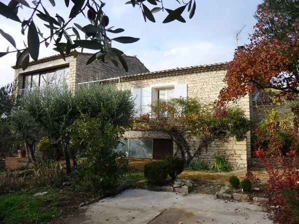 Louer une maison en campagne avec jardin clos vaucluse for Jardin louer 78