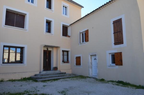 Acheter une villa en r sidence secondaire vaucluse for Acheter une maison de village