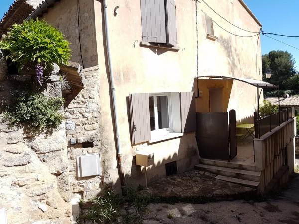 Vente Maison de village T3 ROBION AVEC TERRASSE GARAGE ET CAVE AU PIED DU LUBERON