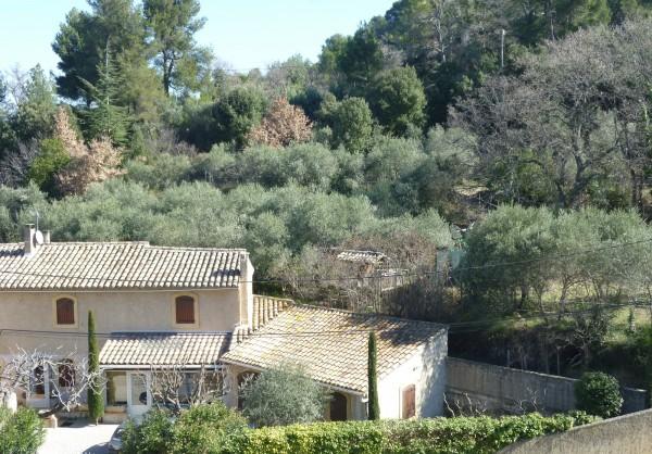 Vente Maison de village T5 Robion au coeur du village avec jardin et garage