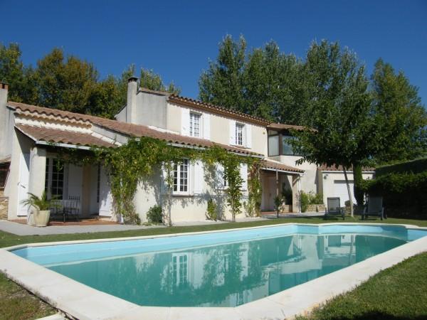 Maison à vendre - Robion - extérieur piscine