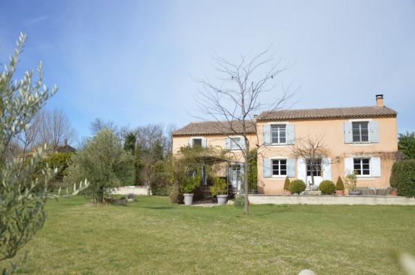 Villa la campagne vendre pour investissement provence for Achat maison luberon