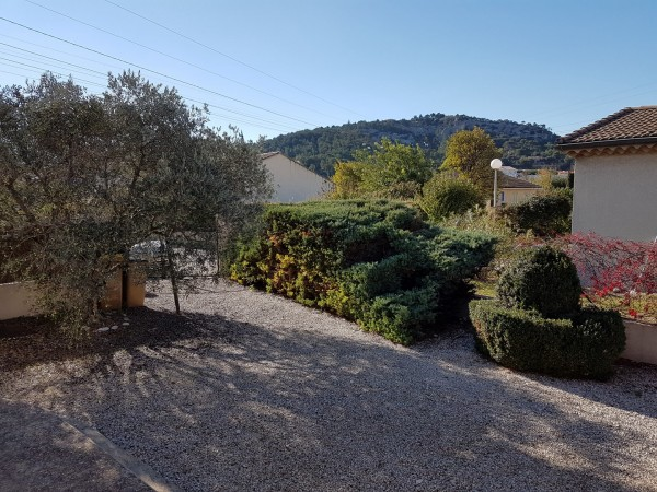 Maison de plain pied avec jardin clos