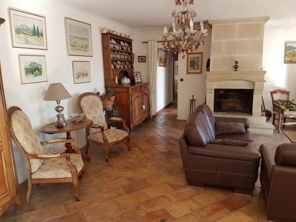 Vente Villa T4 MAUBEC A vendre maison de PP avec 3 chambres sur grand terrain arboré en Luberon , cadre champêtre et calme , vaucluse 84