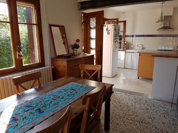 Vente Maison  T3 Cheval Blanc de plain pied avec garage , jardin clos en campagne et vue Luberon