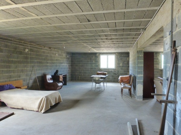 Maison  T5 Taillades Poches du village surface utile de 300 m²