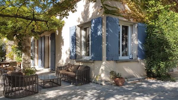 Vente Maison  Cavaillon 6 pièces avec jardin arboré et piscne