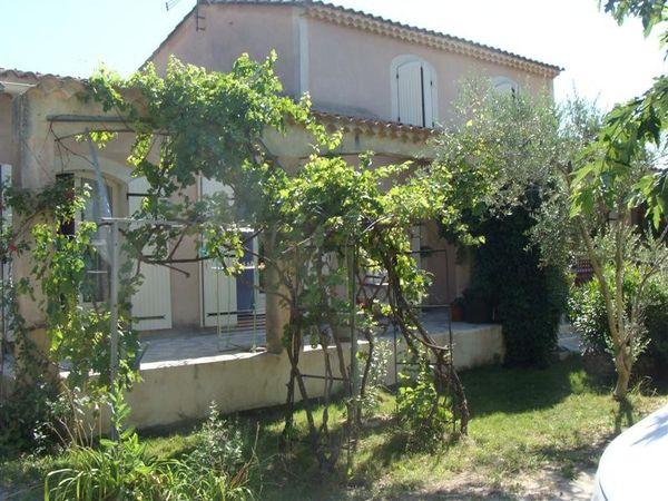 Acheter une ancienne propri t r nover robion maison for Acheter une maison dans le vaucluse