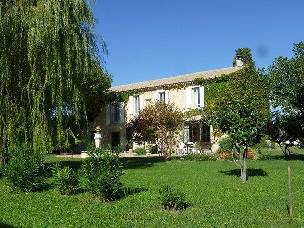 acheter une ancienne propri t r nover vaucluse maison et villa vendre vers robion 84 l. Black Bedroom Furniture Sets. Home Design Ideas