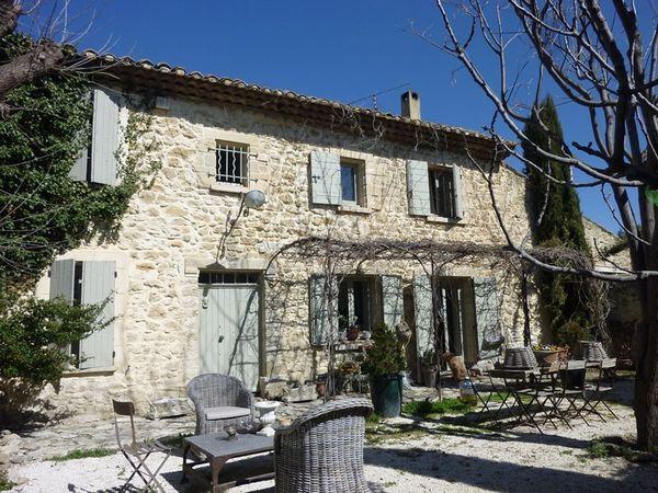 acheter une maison ancienne r nover vaucluse maison et villa vendre vers robion 84 l. Black Bedroom Furniture Sets. Home Design Ideas