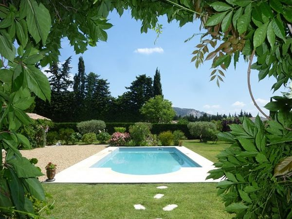 Ventes en provence belle maison type bastide sur grand for Jardin 200m2 avec piscine