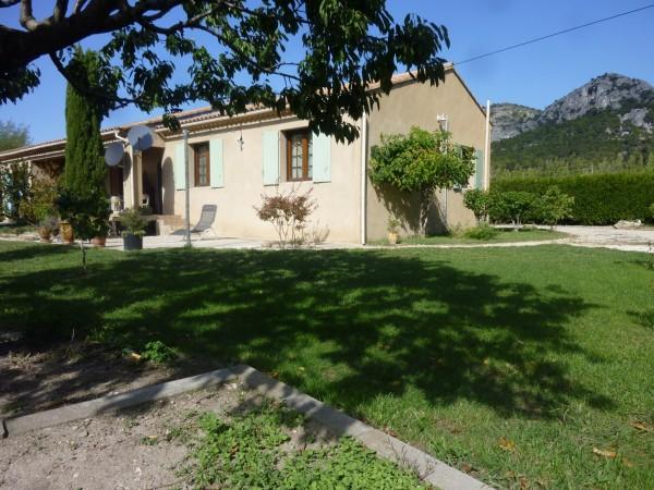 Acheter une villa en r sidence secondaire maubec maison et villa vendre v - Vente residence secondaire ...