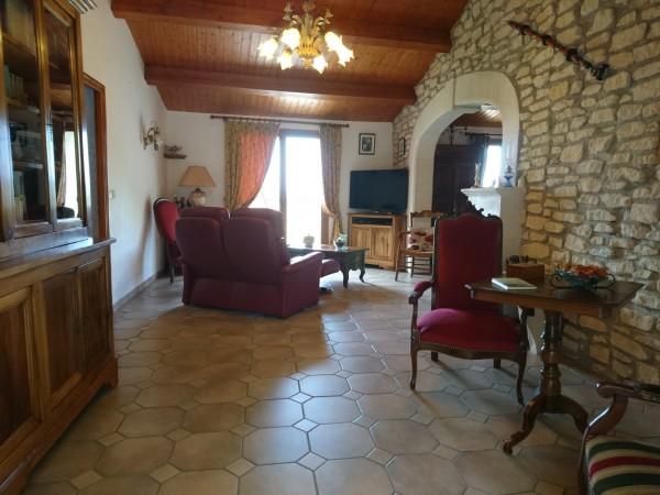 Vente Maison de village Maubec Centre-village avec vue dégagée et 3 chambres