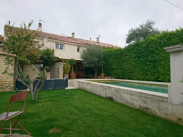 A vendre maison avec jardin, piscine et prestations de qualités dans le centre de Cavaillon